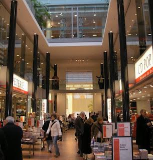 Dussmann das KultruKaufhaus interior