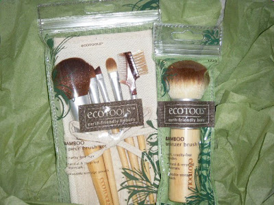 { REVIEW } Eco Tools Make-Up B...