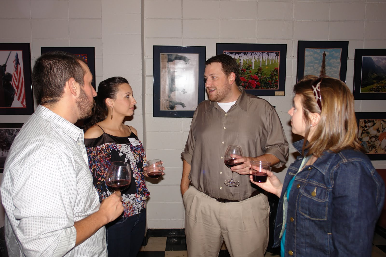 Eusebio Gongora, Jennifer Guillot, Jay Ducote, and Nicole Colvin discuss the wines at BR Uncorked