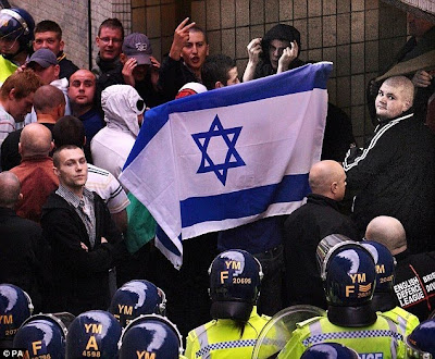EDL activists support Israel