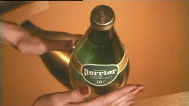 Perrier main sexy