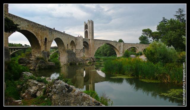 Besalu pueblo medieval
