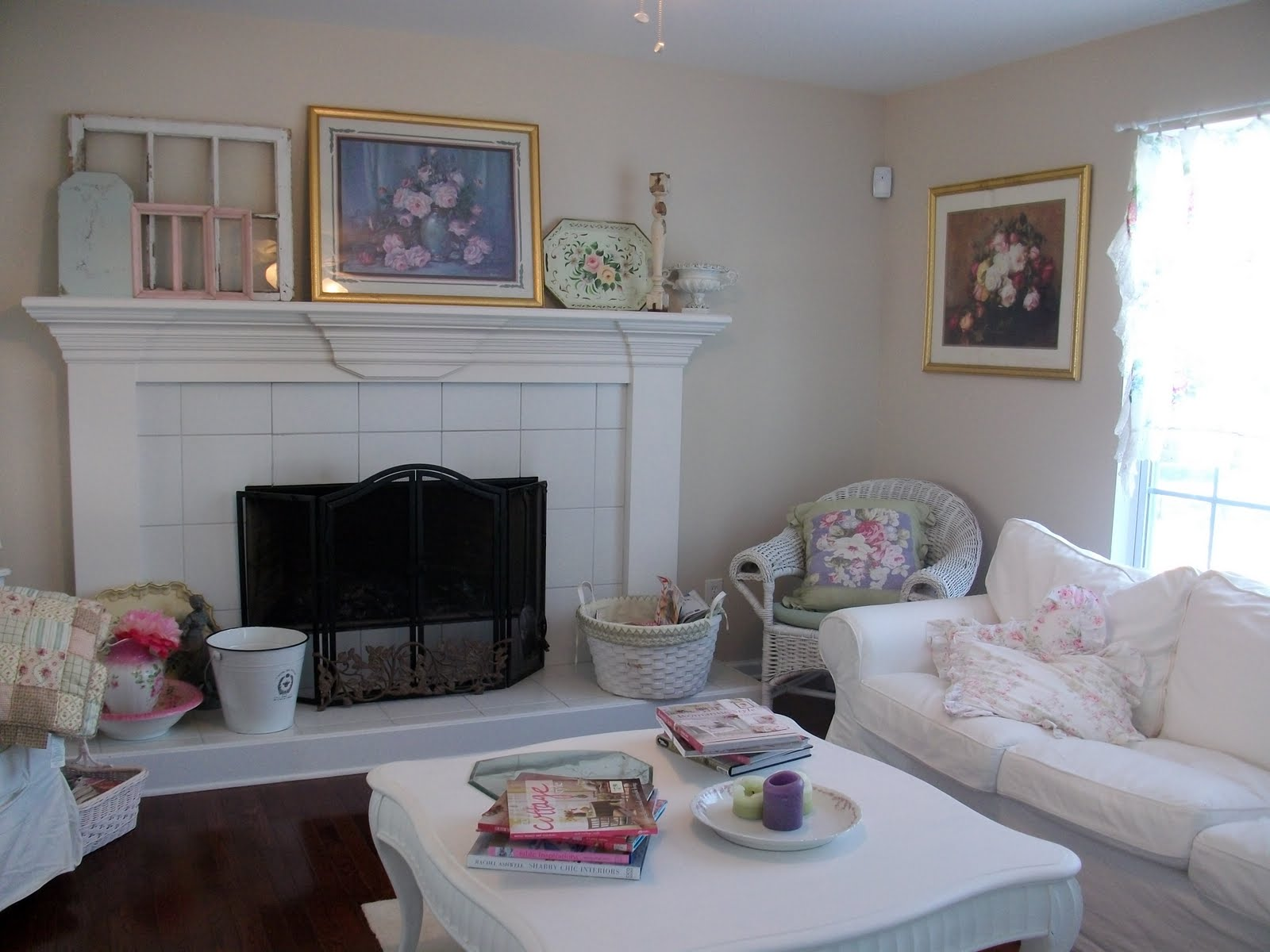 Anything Shabby Chic: Living room curtain