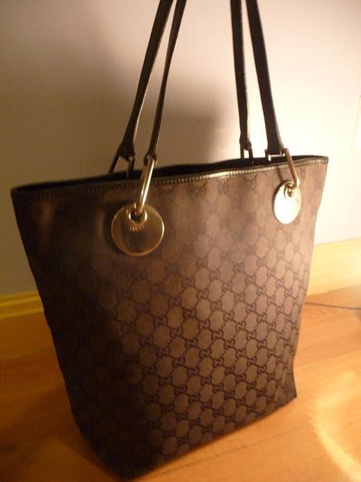 f17334564 Hari Raya Promotion !! (SOLD) Authentic Gucci Black Signature Eclipse Tote  bag