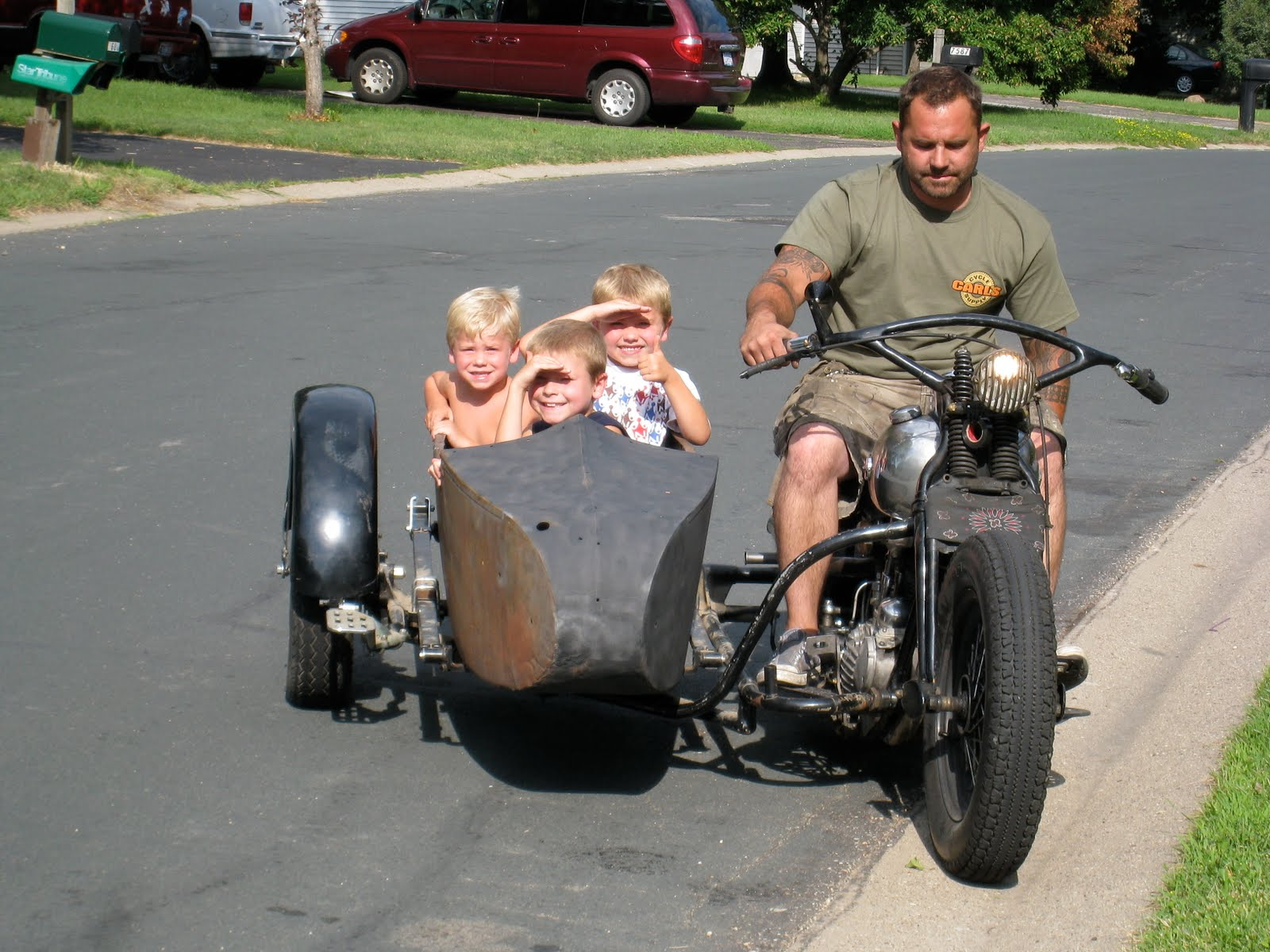 Bloomington Harley Davidson >> VINTAGE BIKE ADDICTION: My new 1940 LE sidecar rig on my ...