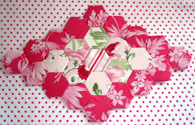 The scrappy appleyard hexagon tutorial with plastic templates for Hexagon quilt template plastic