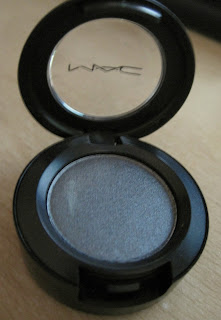 Mac eyeshadow in Silver Ring.