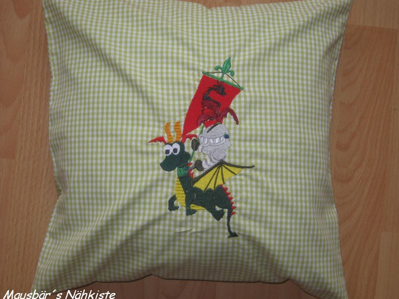 mausb r s n hkiste pillows for boys kissen f r jung s. Black Bedroom Furniture Sets. Home Design Ideas