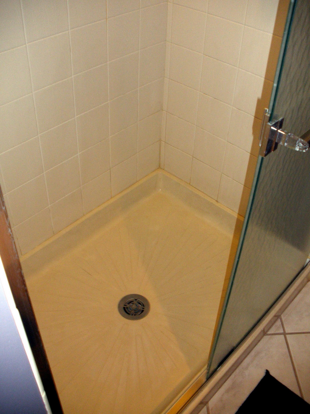what to use to clean bathroom floor living in the 513 cleaning shower floors 26301