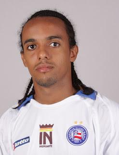 Resultado da imagem para Paulo Roberto jogador de futebol