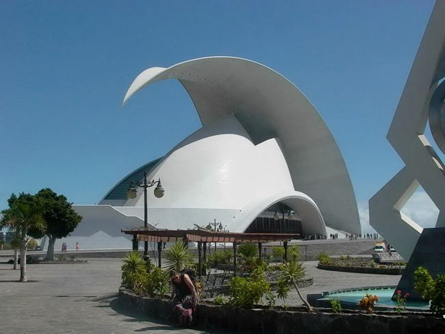 Information hub of besties national geographic wonders for Amazing architecture
