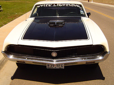traditional desing cars: I love this Torino for it's