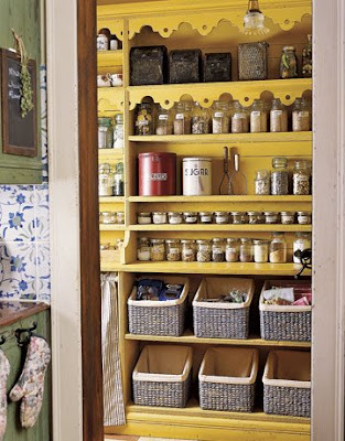 Manic Monday - Tips for Organizing Your Shelves
