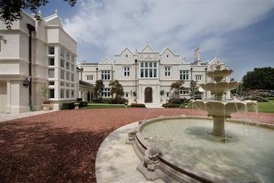 Elaborate avila mega mansion homes of the rich for Mega mansions in florida