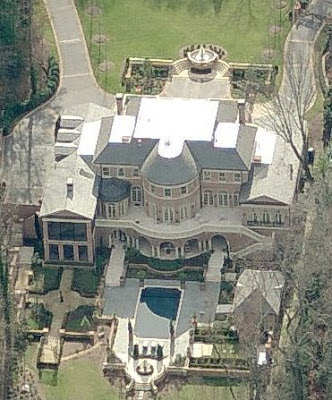 A look at atlanta mansions 3 homes of the rich for Pool designs under 30000