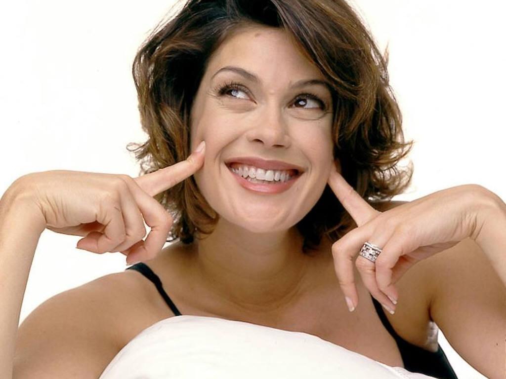 By Ken Levine: Teri Hatcher has a lifestyle advice website???