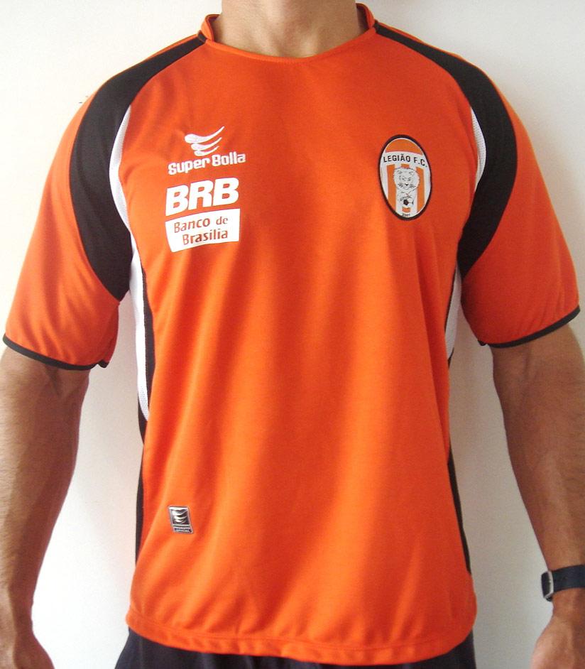 A camisa titular é predominantemente laranja f02235d6afe51