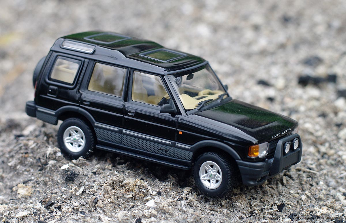 land rover diecast model cars collection land rover discovery 300. Black Bedroom Furniture Sets. Home Design Ideas