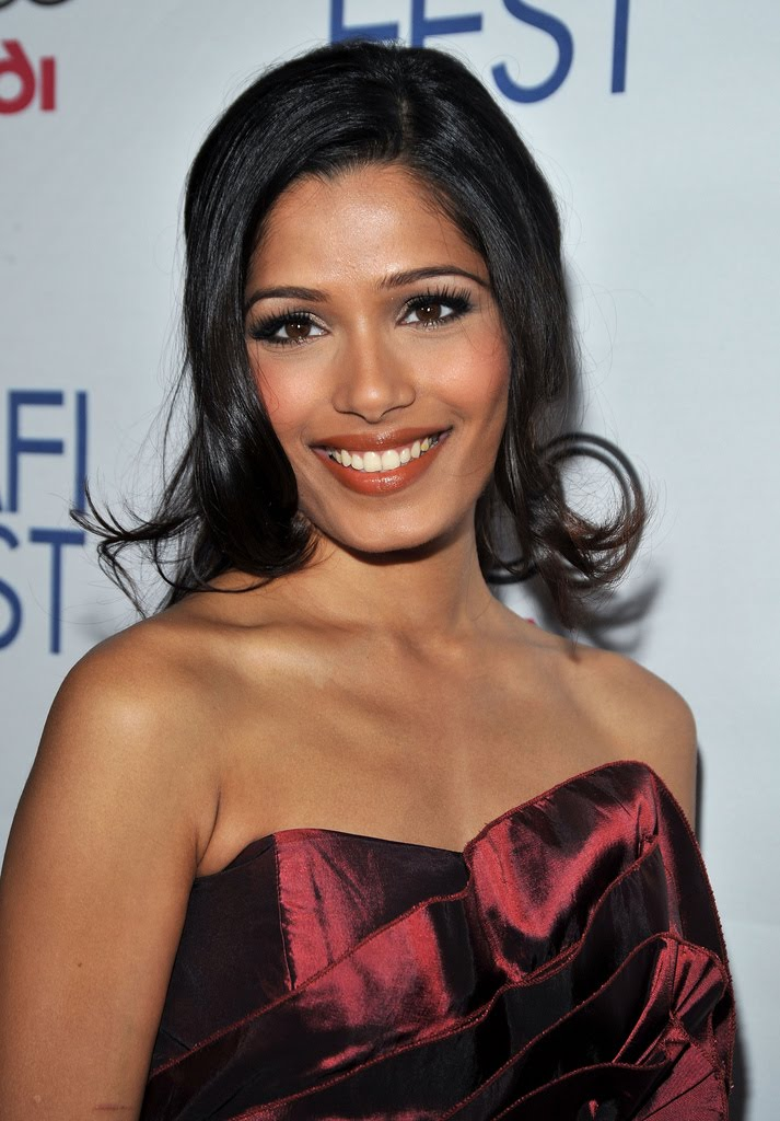 Celebrity HQ Pitcure: Freida Pinto HQ Gallery, Freida