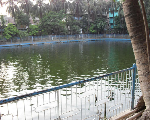 bangshal pond, old dhaka, bangladesh, bongshal pukur