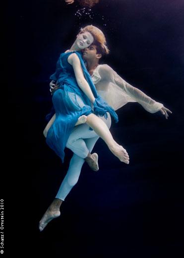 Beautiful Wallpaper Boy And Girl Dancinphotos Howard Schatz 3 Dancing Underwater