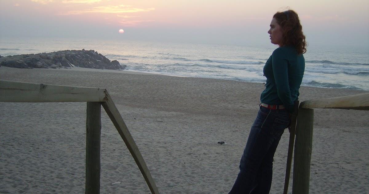 Os Meus Momentos...: Hoje Sinto-me Triste E Sozinha