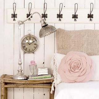 decorar cama madera blanca cabero cabezal romantico chica idea