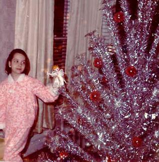 Christmas Comeback Kid The Aluminum Christmas Tree Go Retro