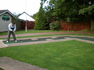 Richard Gottfried playing Minigolf at the Four Ashes Golf Centre in Dorridge, Solihull