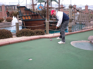 Richard Gottfried playing in the BMGA Scottish Open minigolf tournament at Codona's Adventure Golf course in Aberdeen
