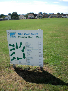 Mini Golf / Golff Mini in Penarth, Wales
