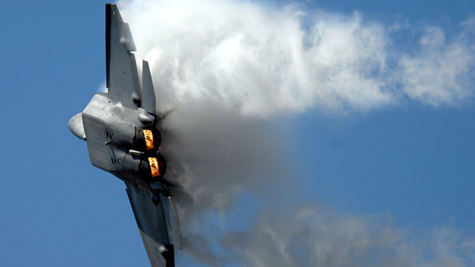 Amazing Smoking Maneuver F 22 Raptor Wallpaper 766 Aeronef Net