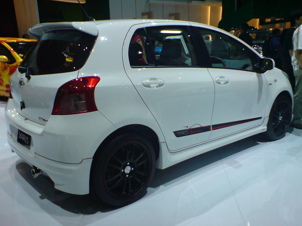 toyota yaris trd modif perbedaan grand new avanza e dan g 2017 modifikasi j car interior design