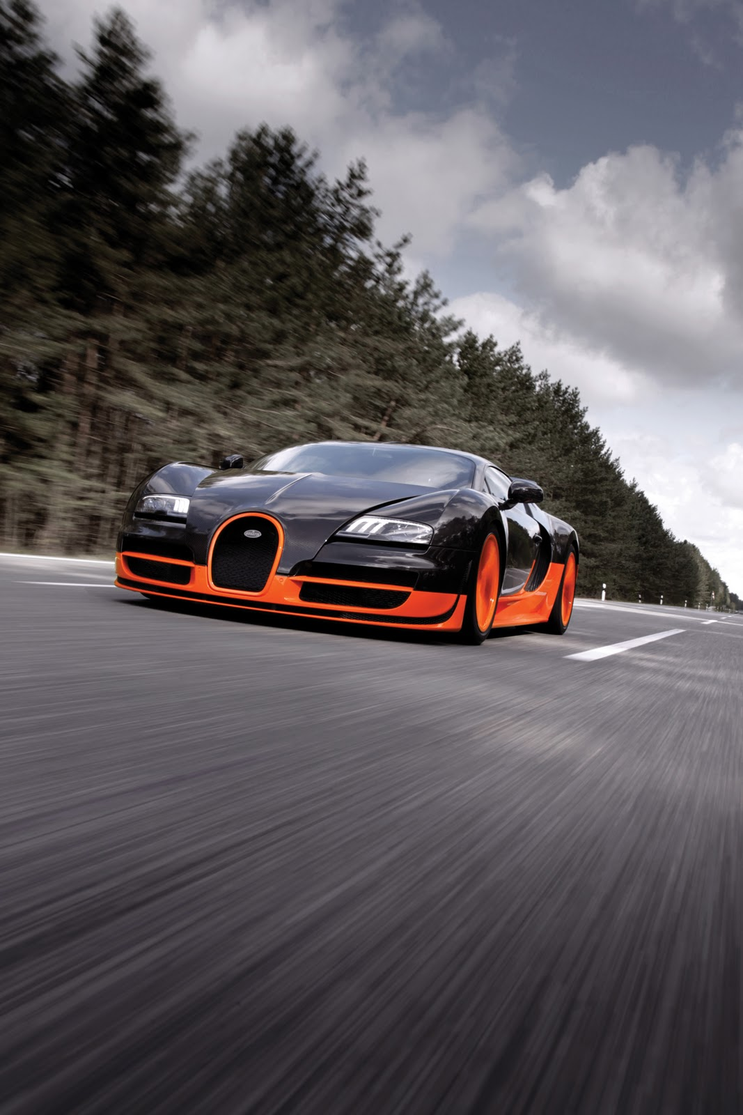 Bugatti Veyron 16 4 Super Sport hits 267 81 mph! | Cool Cars | Car Blog