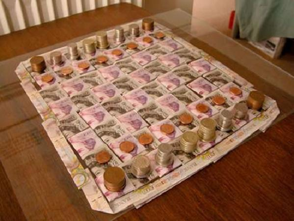 https://i0.wp.com/4.bp.blogspot.com/_jjgksVeNn3c/S7sONSc9VLI/AAAAAAAAc0w/d6IVwLDcNfM/s1600/money-chess-board.jpg