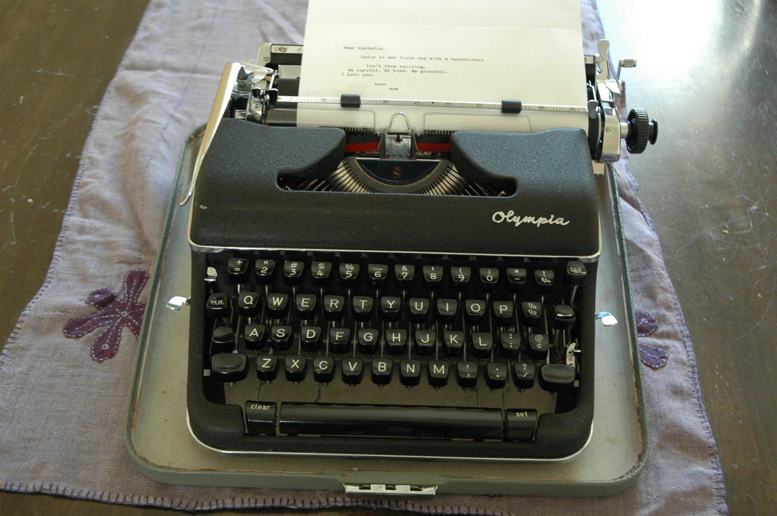 Deliajude Typewriter Dreams