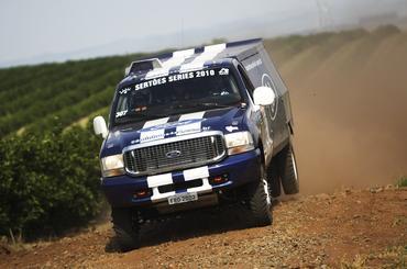 Rally dos Sertões  Vanderlei Cassol e Lélio Jr no comando do 3º caminhão da  Ford Racing Trucks 42f515fc98102