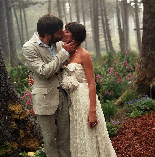 Little Winter Bride: REAL WEDDING: Cannon Beach, Oregon
