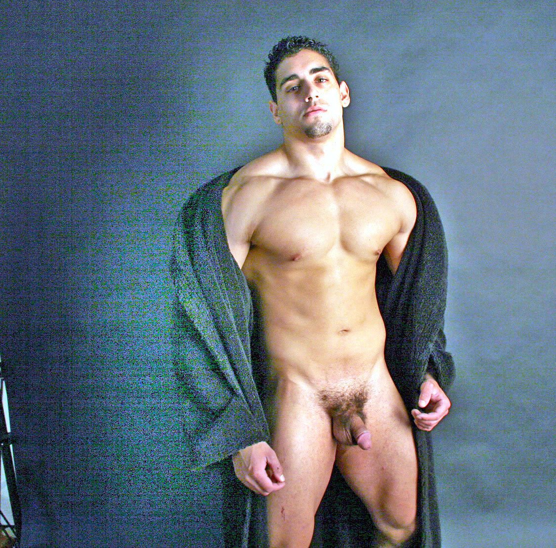 Doesn't matter! Full nude male star