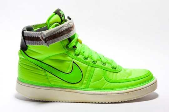 best service 51df2 f6c19 The neon green colorway comes with a grey black ankle strap and the grey  colorway comes with a pink orange ankle strap. The soles come in a vintage  ...