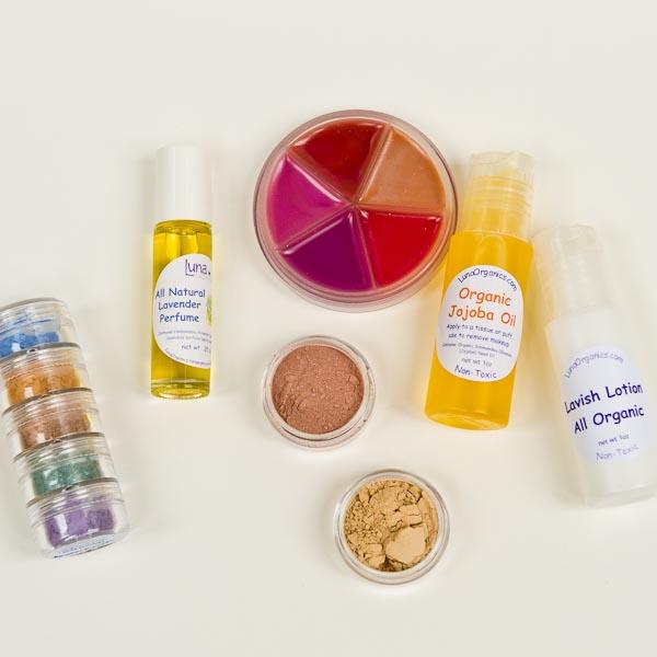 Luna Organics All Natural Girls' Essential Makeup Kit Review