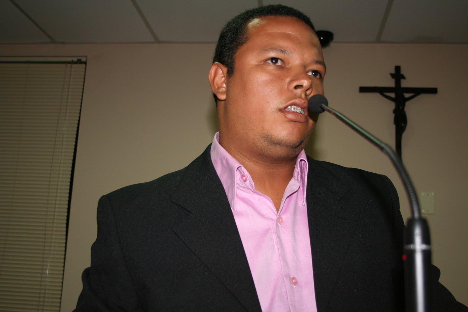 Doa a Quem Doer - Gilberto Fernandes  Neco cada vez mais titular 36c18249c03b2