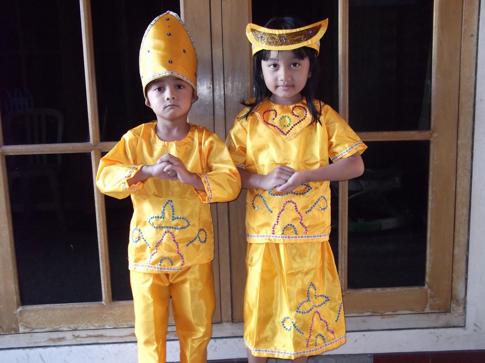 koboi41: Pakaian Adat Maluku