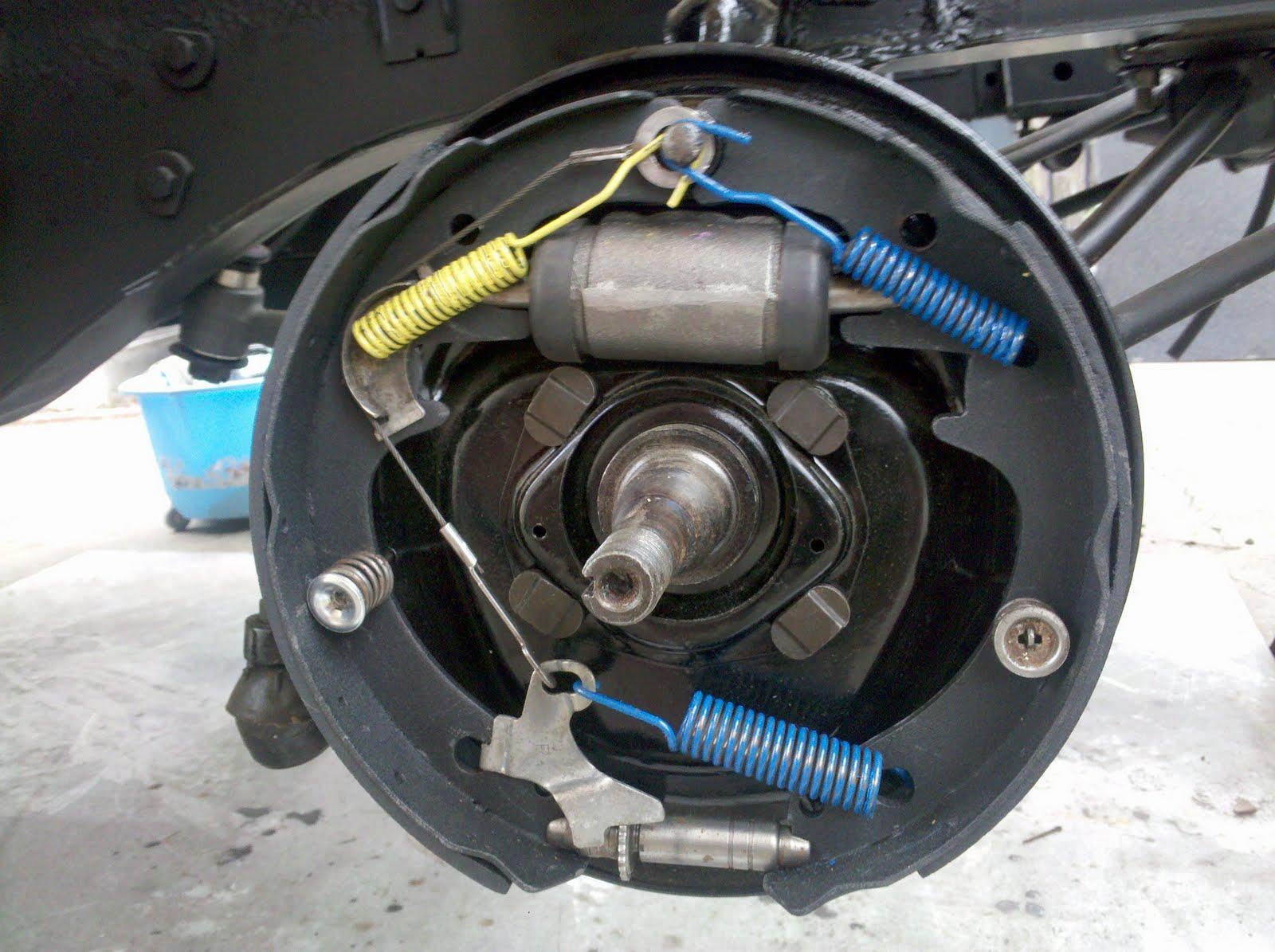 LeLu's 66 Mustang: Brakes, Seals & Bearings