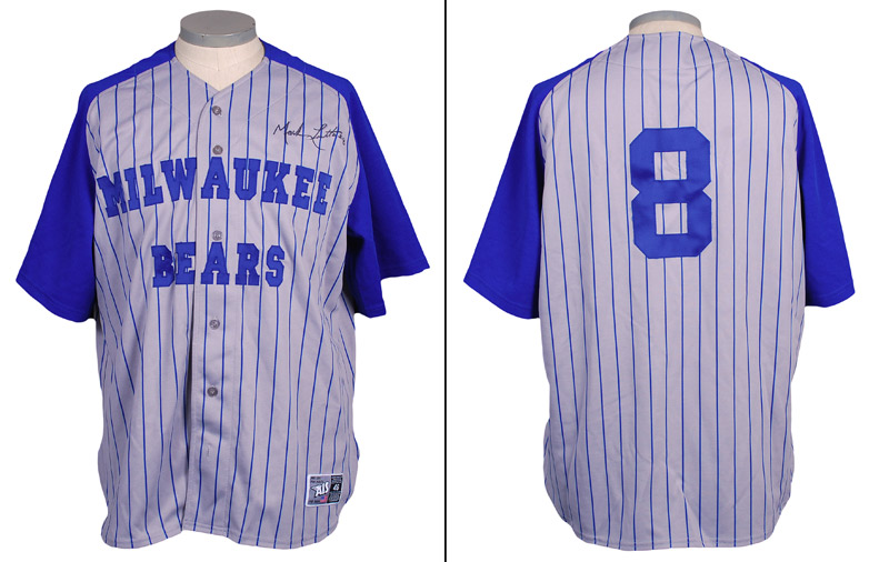 "8c89a68e1 The Brewers wore one-off gray uniforms with blue pinstripes and sleeves and  the full name ""MILWAUKEE BEARS"" in blue letters across the chest."