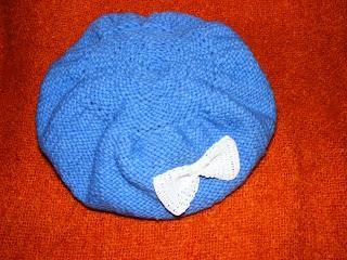 basca bereta bleu handmade tricotata manual
