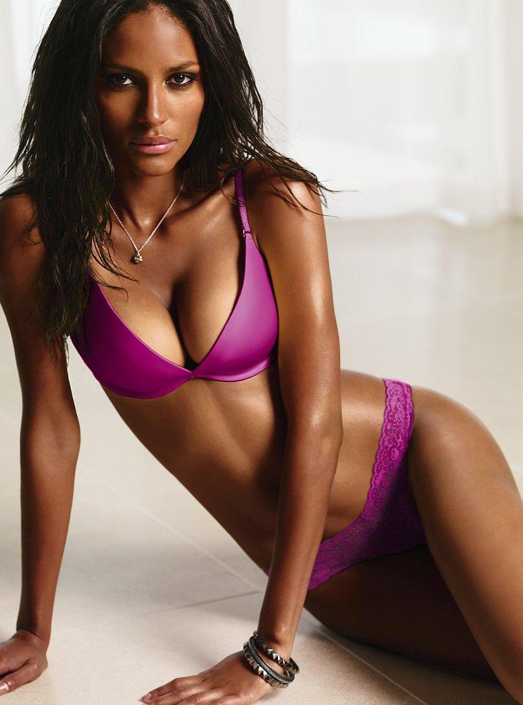 Emanuela De Paula Vs Lingerie 2010 Models Inspiration