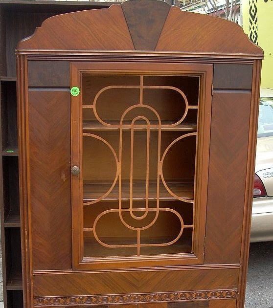 Uhuru Furniture Amp Collectibles 1930s China Cabinet Sold