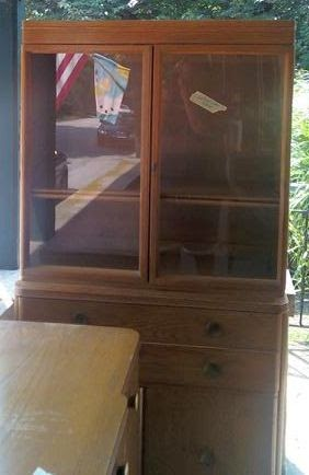 Uhuru Furniture Amp Collectibles 1940 S Oak China Cabinet