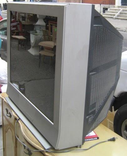Uhuru Furniture Amp Collectibles 2001 Sony Trinitron Flat